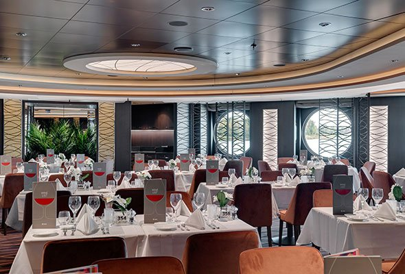 MSC-Seaview,-Golden-Sand-Restaurant.jpg